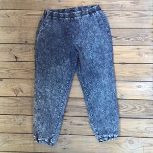 Denim - Acid Wash Retro Cropped Jeans Size 16